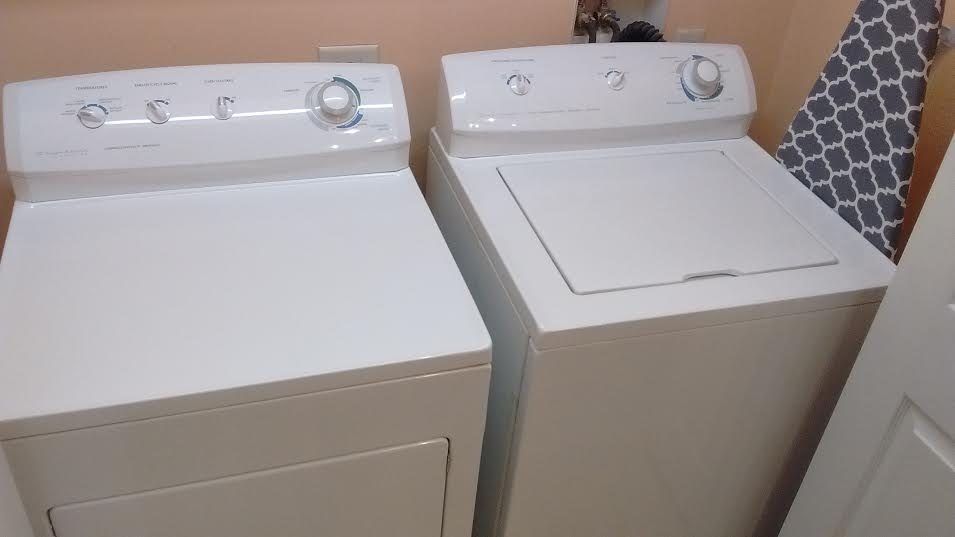 Lock 30 condo rental washer dryer
